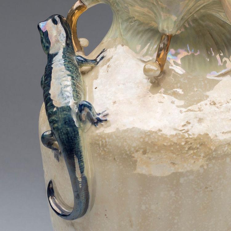 Picture of Amphora Ceramic Vase with Lizard
