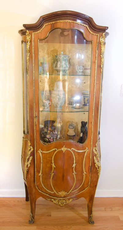 Picture of Vitrine in Louis XV-Style Bombe