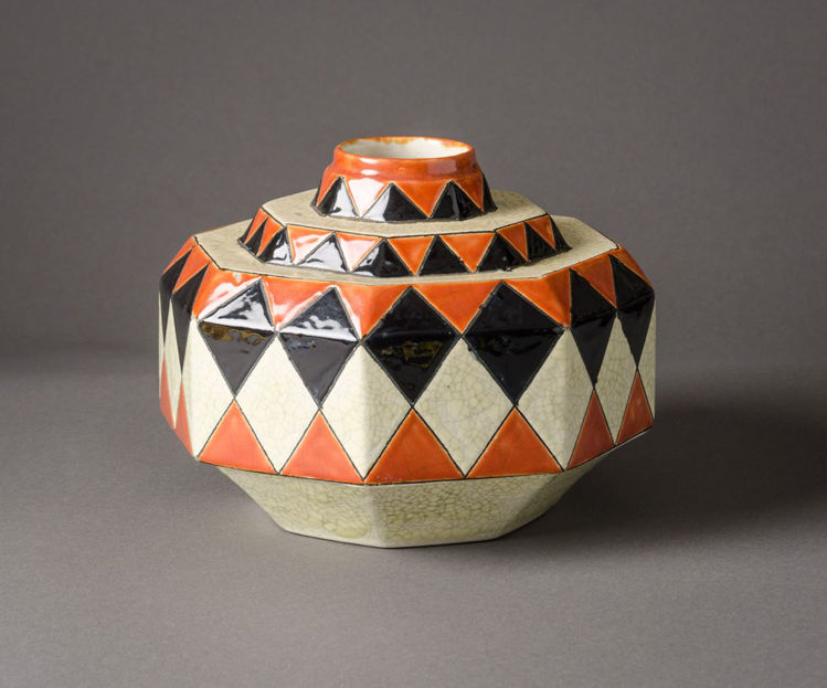 Picture of Octagonal Vessel