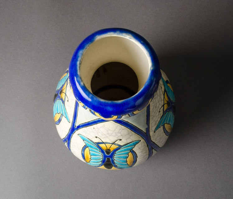 Picture of Butterfly Crackleware Vase
